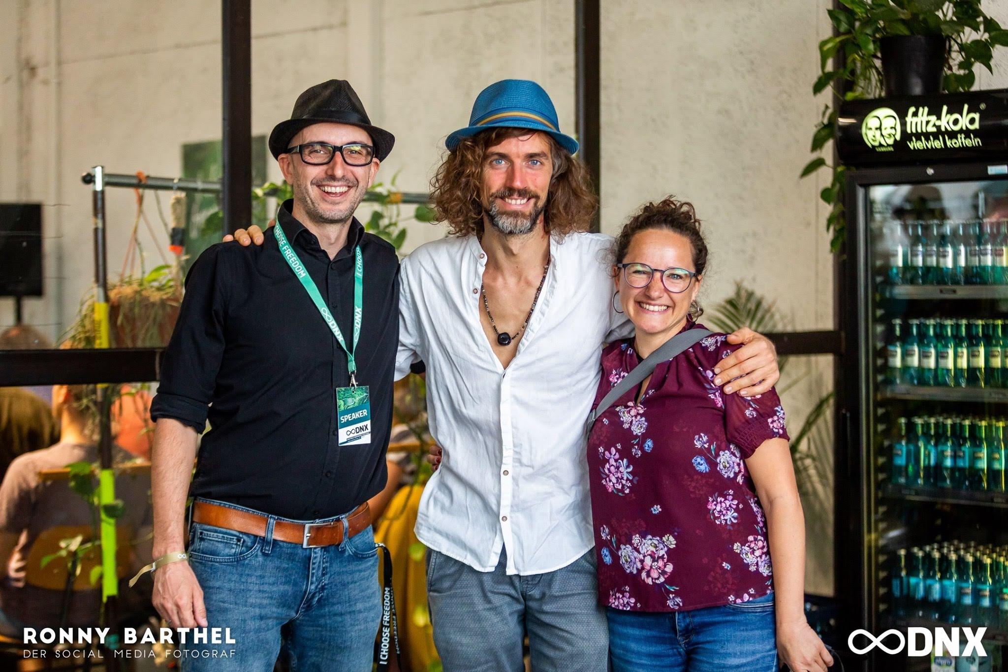 Foto von Joe Löhrmann, Peggy Anke und Marco Lachmann-Anke auf der DNX 2019