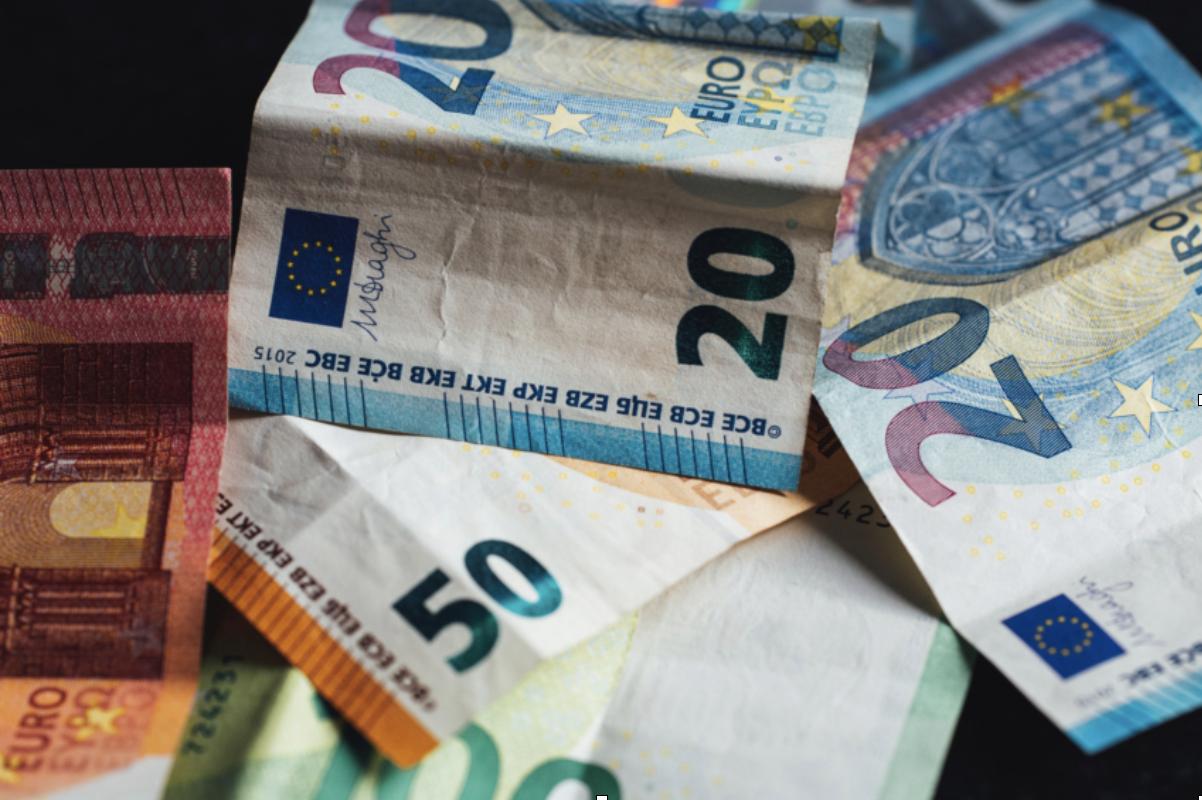 20 Euro Schein, 50 Euro Schein als Bargeld