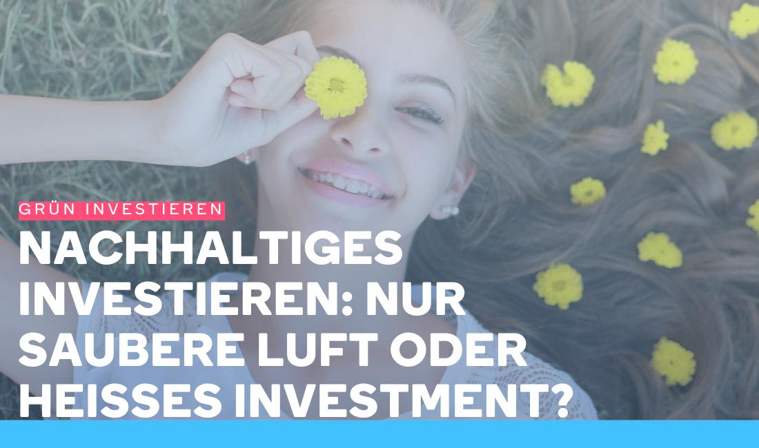 Eine Frau ist glücklich, weil sie nachhaltig investiert