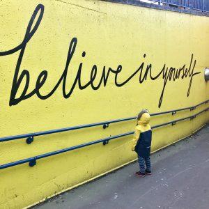 Glaube an dich selbst; nur so funktioniert die das Gesetz der Anziehung