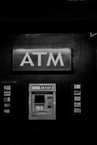 Geldautomat in den Straßen New Yorks