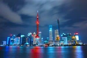 Shanghai bei Nacht erleuchtet