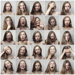 Eine Frau mit verschiedenen Persönlichkeiten