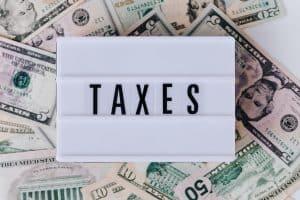 Die Steuerlast, die man bestimmen muss, um ein Investor zu werden