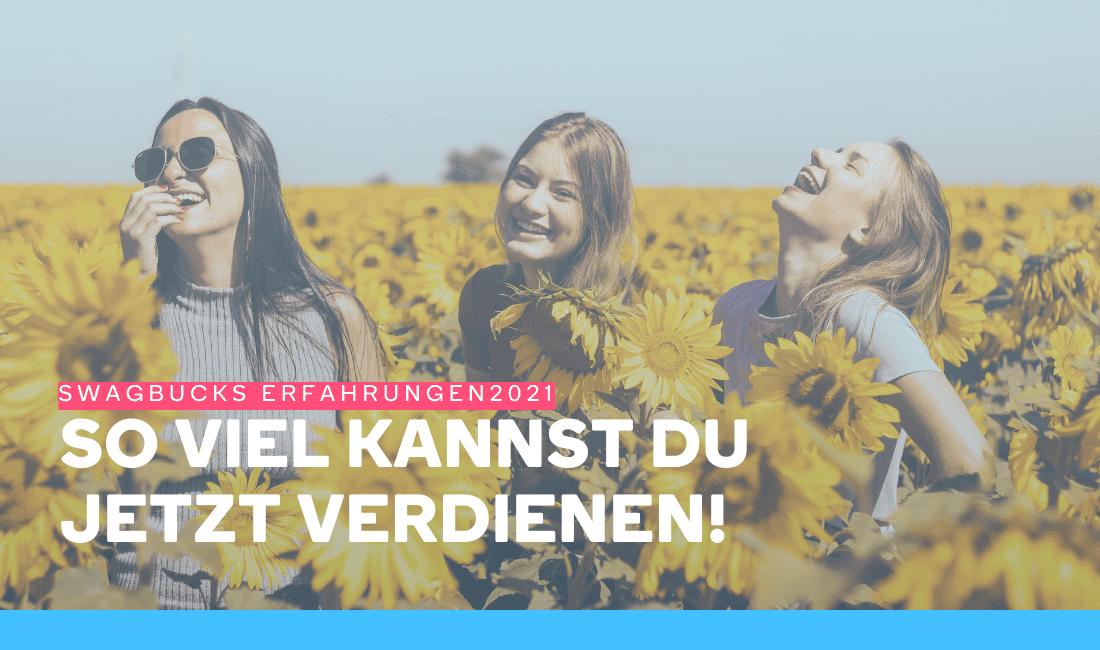 Drei Mädchen lachen in einem Sonnenblumenfeld